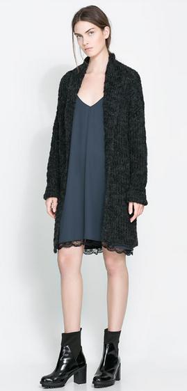 vestido lencero gris Zara 29,99