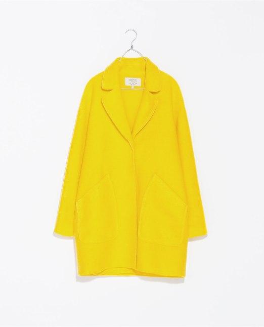 abrigo amarillo Trafaluc
